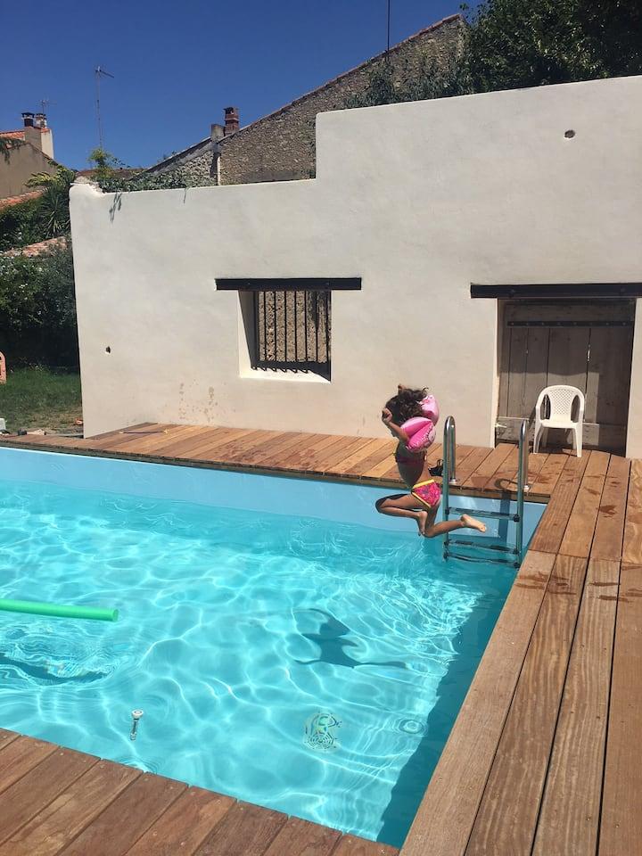 Maison piscine et jardin privé
