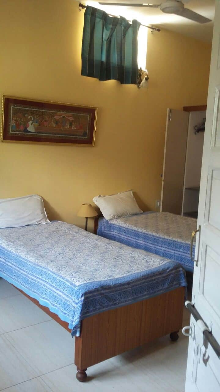 1, 2 or 3 rooms  @ Rs1700/- per room in Bungalow