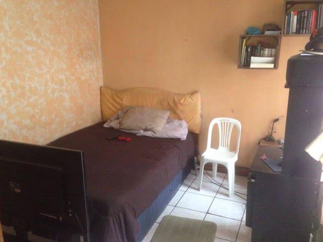 Cuarto en Quetzaltenango Xela - Quezaltenango - Apartment