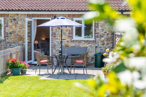 Dog friendly annexe with rural views at Hell Lane