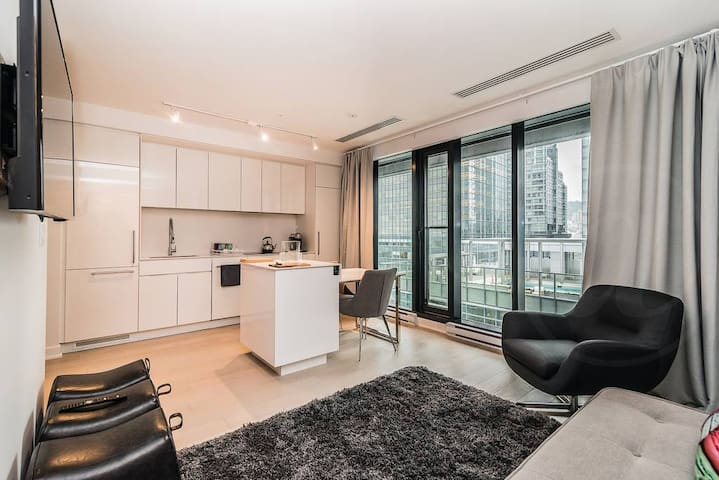Dtown Chill Condo - Monthly Rental