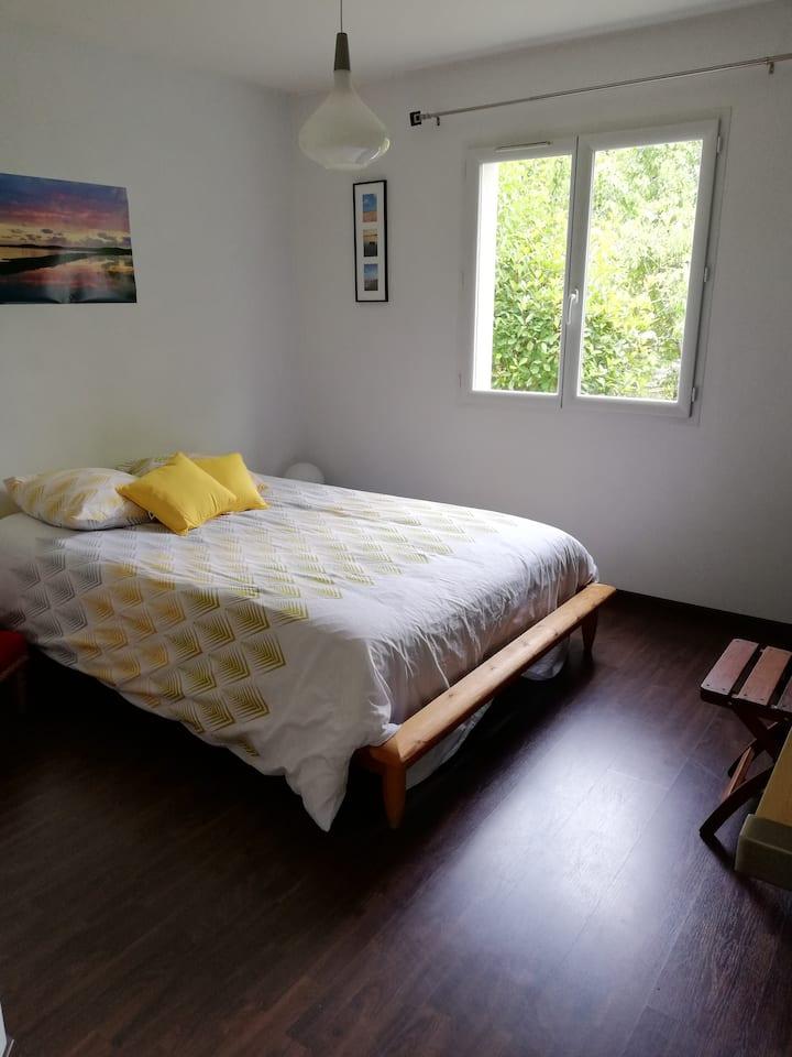 Belle chambre sde privée dans maison chaleureuse