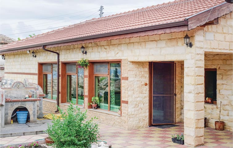 Holiday cottage with 2 bedrooms on 115m² in Shabla