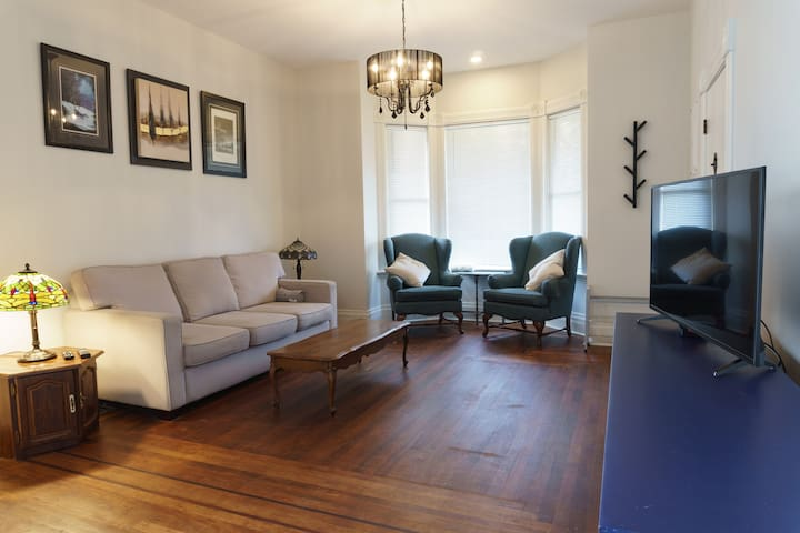 Newly Renovated Suite in 1892 Heritage Home
