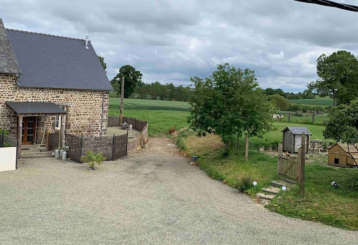 Spacious one bedroom self contained rural gite