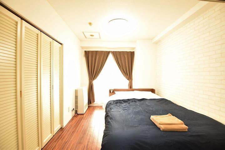 double bed. 標準雙人床