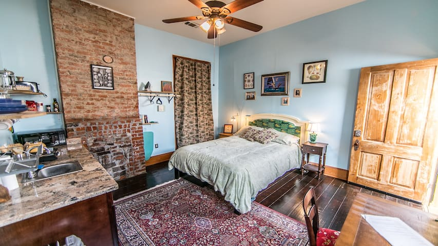 Stunning Studio in the Heart of Bywater-Marigny