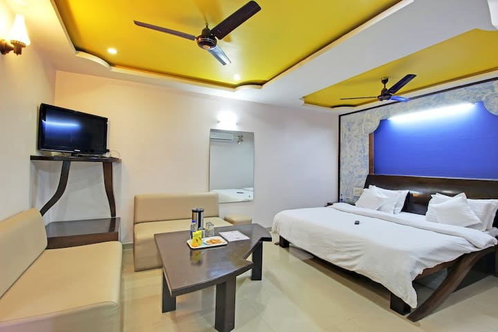 Spacious Stay at Mount Abu