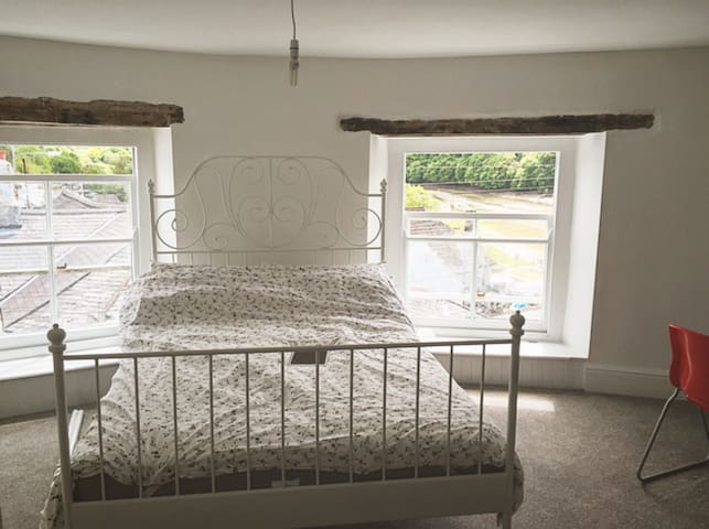 Romantic large double room - Calstock
