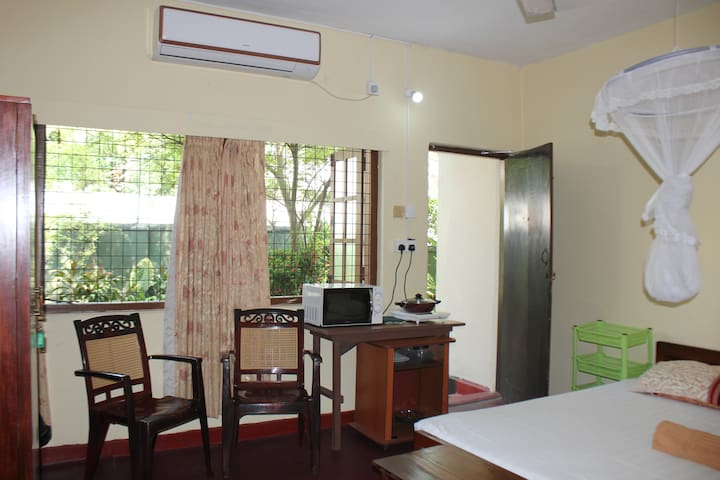 Andradi Lodge Private AC room Kalubowila