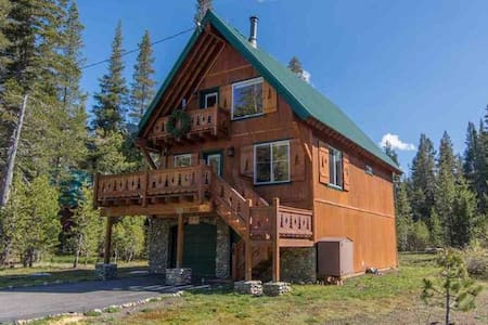 Hemlock Hideaway-Your Escape from 'Real Life' - Soda Springs - Hus