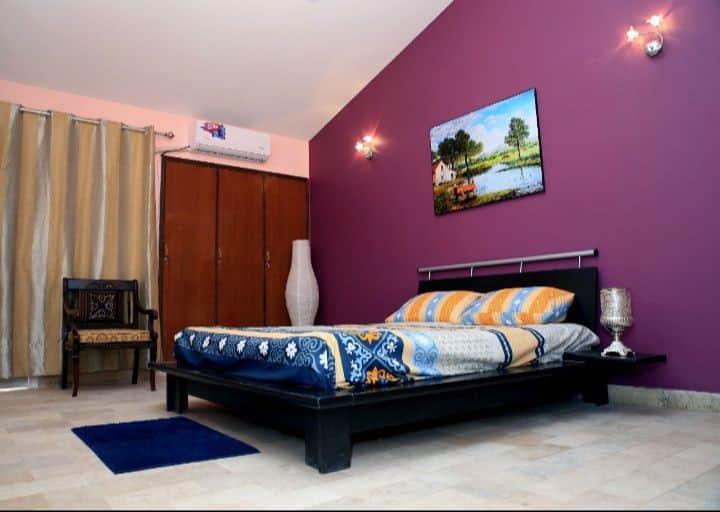 Master Bedroom for Rent in Bungalow