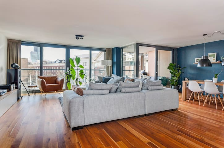 Cosy Modern Apartment (123qm) in Rotterdam Centrum