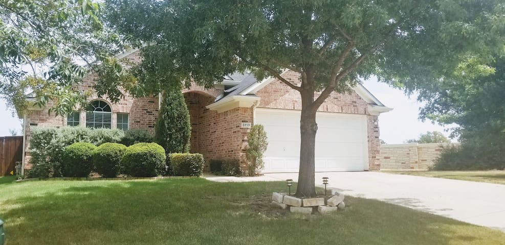 Fully Furnished 3/2/2 ALL BILLS PAID, by Guyer HS