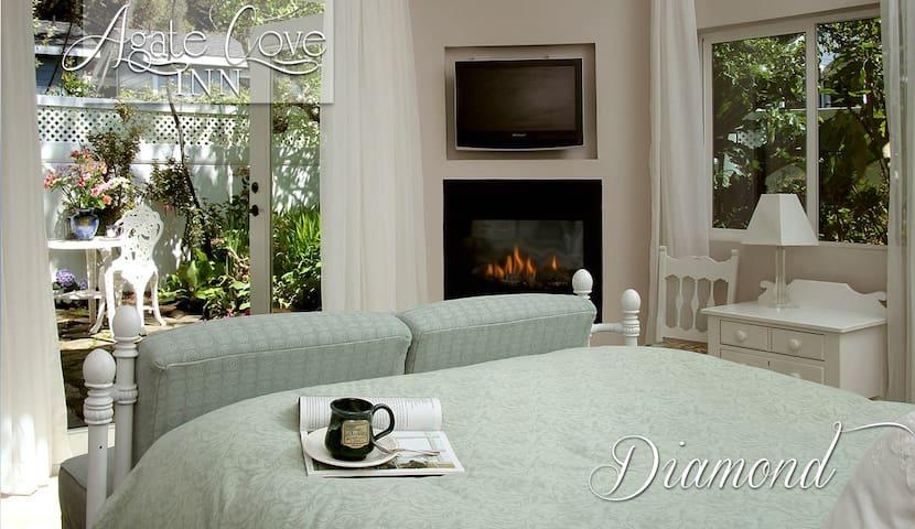 Diamond - Suite with Garden View