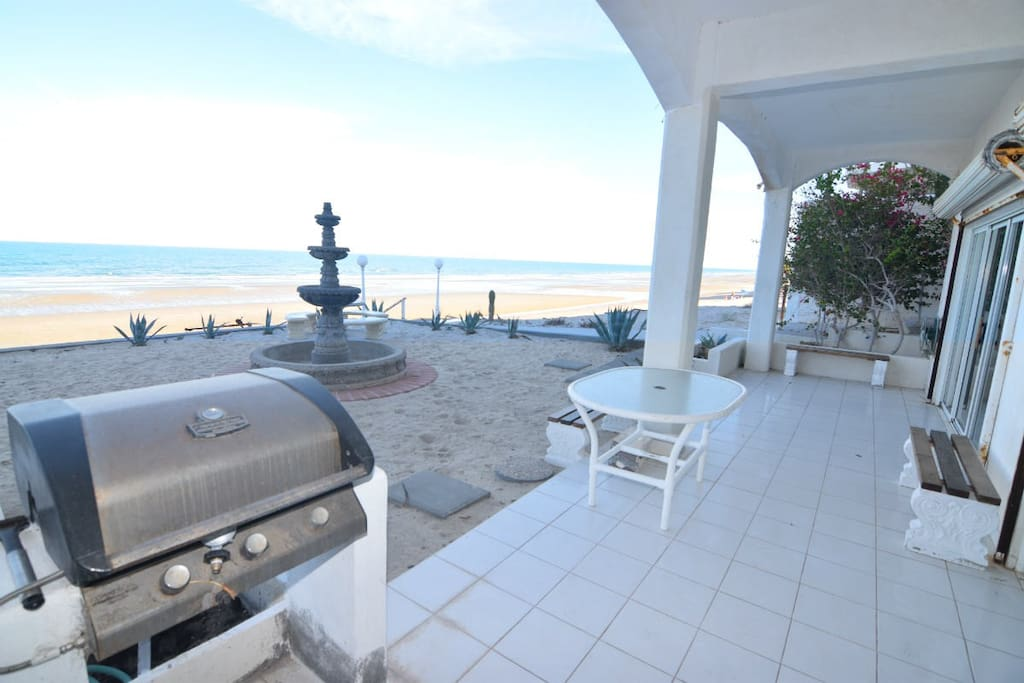 las palmas sky house patio with BBQ and amazing beach view