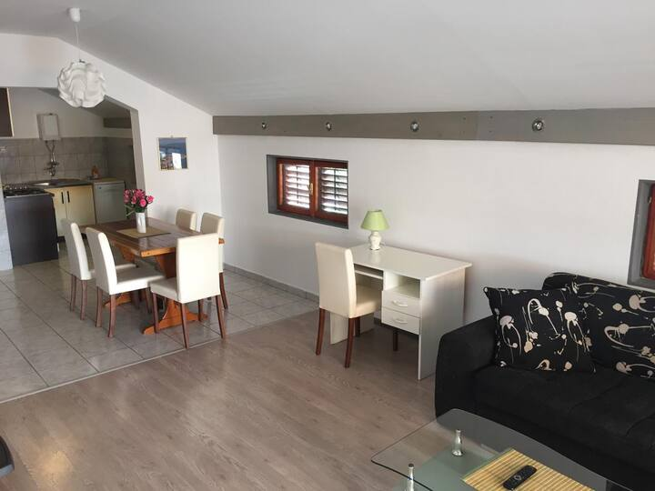 Apartments Pavić Betina Murter 6+2
