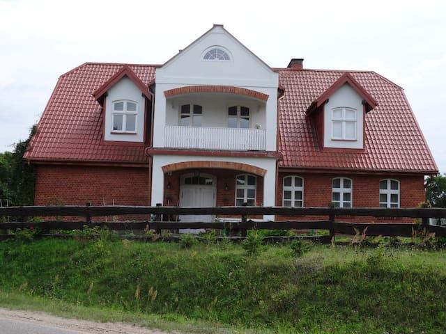 Haus im liebevoll restaurierten Schulhaus