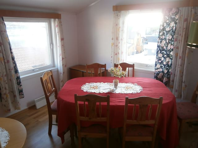 Lofoten-Apartement - for 6 pers. - Skrova - House