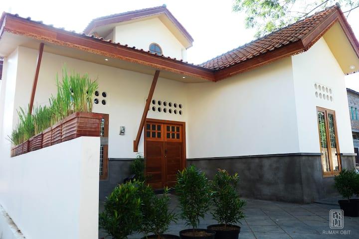 Rumah Obit (5 Minutes from Prawirotaman)