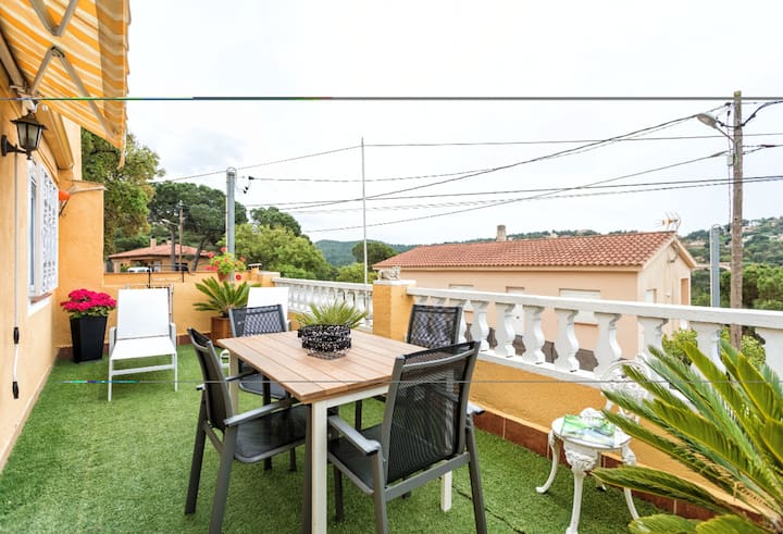 Apartment with one bedroom in Vidreres, with wonderful mountain view, terrace and WiFi - 8 km from the beach