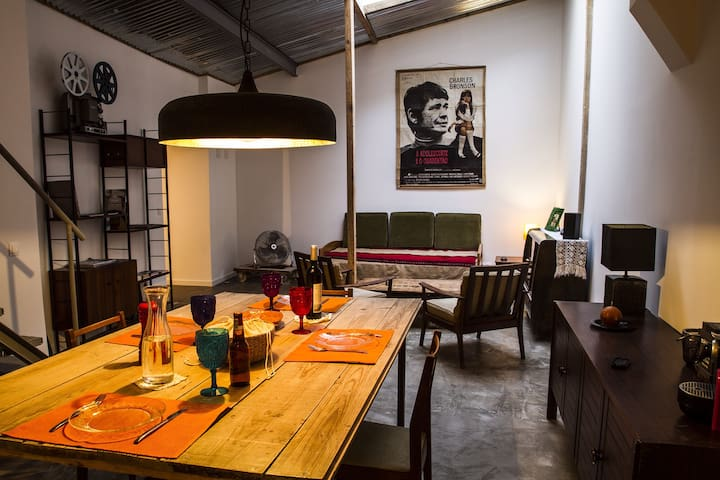 Vintage loft in center near river! - Lisboa - Apartamento
