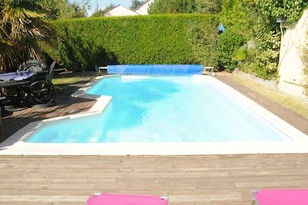 belle maison art déco avec piscine - Truyes - Σπίτι