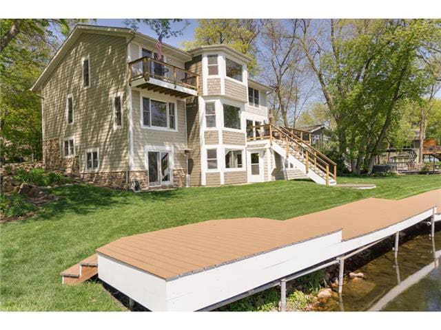 Enjoy Breathtaking Views ON Lake Minnetonka! - Mound - House