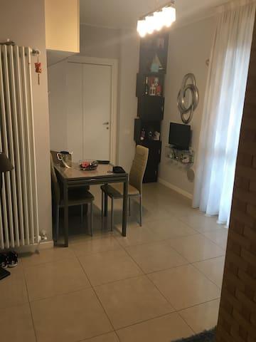 Nice room at 50 m from MM3 Rogoredo