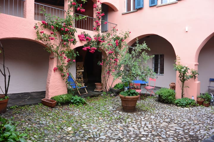 Stylish 3 room apartment with loggia&garden