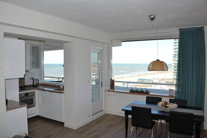 Beach apartment - Stunning beach & village views