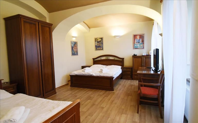 Room for three under Prague Castle