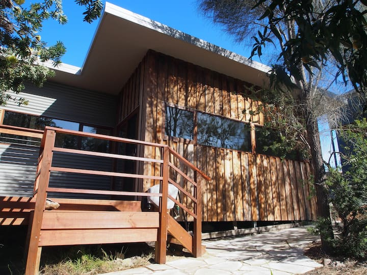 "Freycinet Studio ""Nook"" - cosy couples retreat"