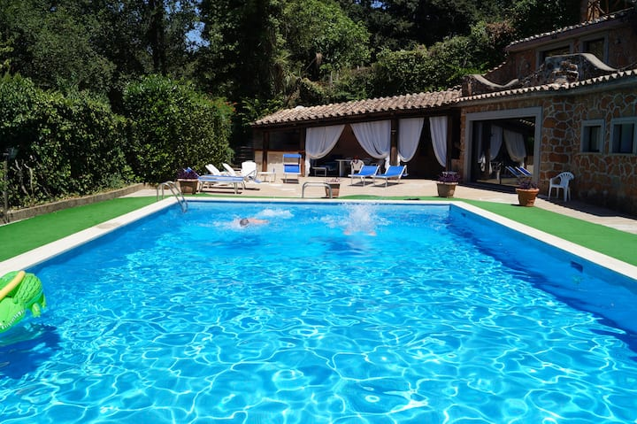 SPLENDID COTTAGE WITH POOL NEXT TO ROME