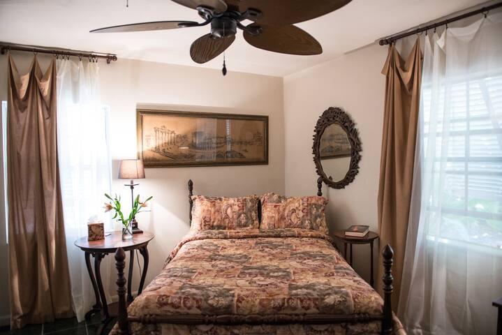 Bedroom #2. Double (Full) bed & desk