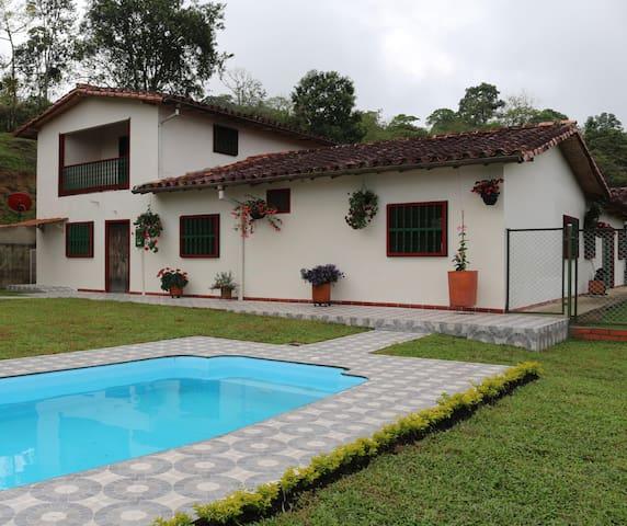 Habitaciones con acceso a la piscina
