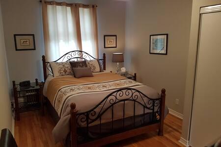 Stunning 1 bedroom in heart of  Hintonburg