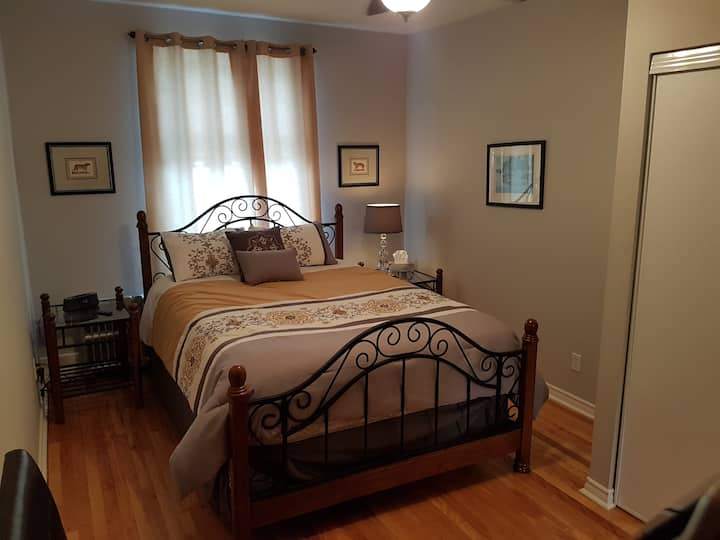 Stunning 1 bedroom in heart of  Hintonburg
