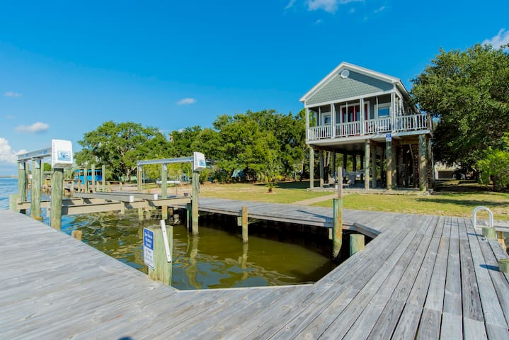 Oceanfront House-Boat Dock/Lift!  Fantastic Views!