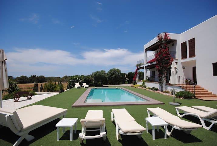 Can Vic Roca, Ibiza