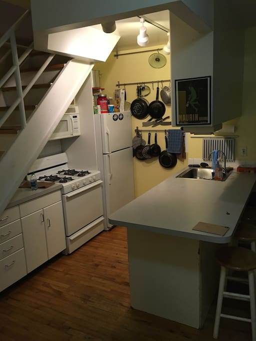 Spacious Kitchen with all utensils