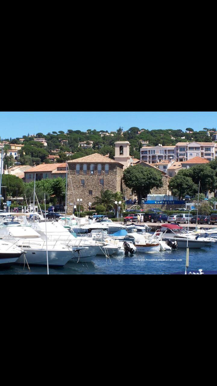 Beau rez de villa à Sainte-Maxime à voir !