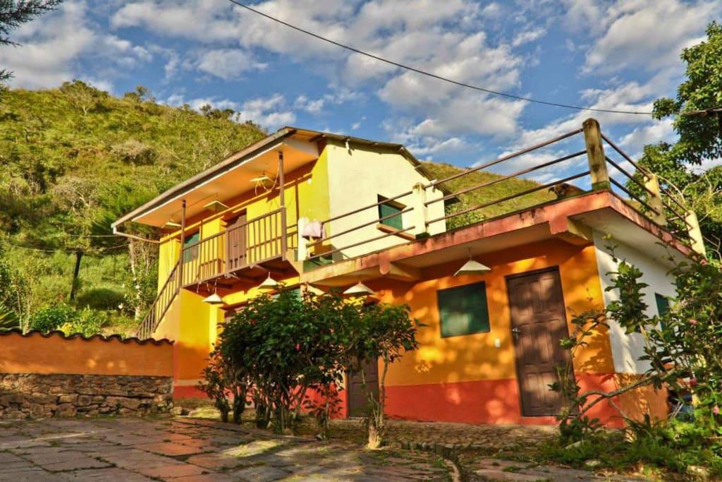 Casa loma linda coroico casas en alquiler en coroico for Casas minimalistas la paz bolivia