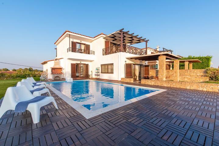 Villa Aelia- Elani Halkidiki