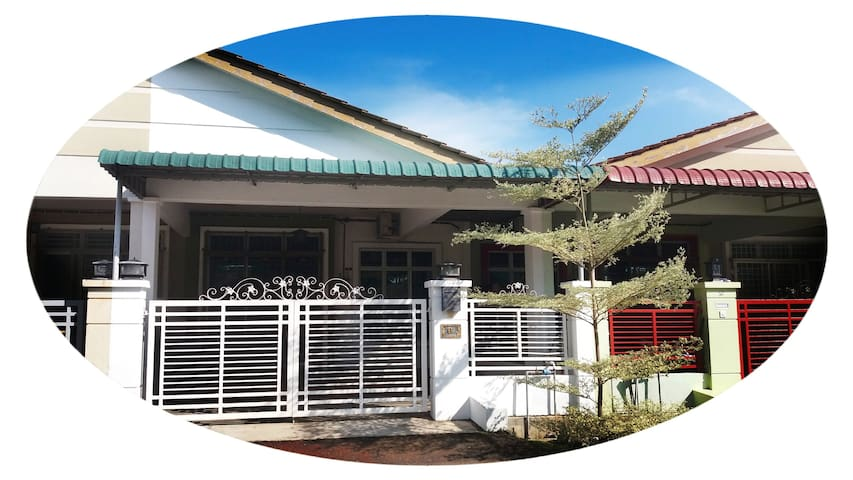 Muslim Guest House (3Room + Level 1 + WiFi)
