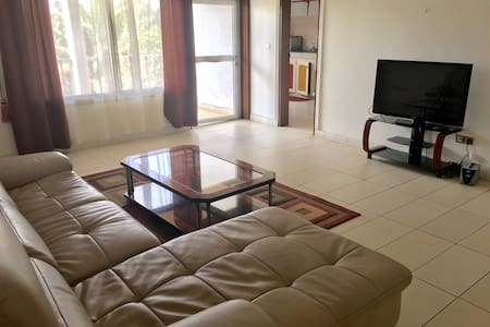 Modern three Bedrooms Flat In Yaounde - Yaounde - Apartmen