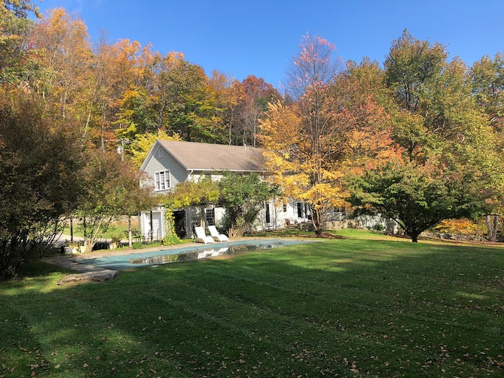 Country Charm -  1 1/2 hours from NYC