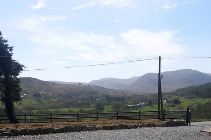 Lóistín Coimín - Ballybofey - Huoneisto