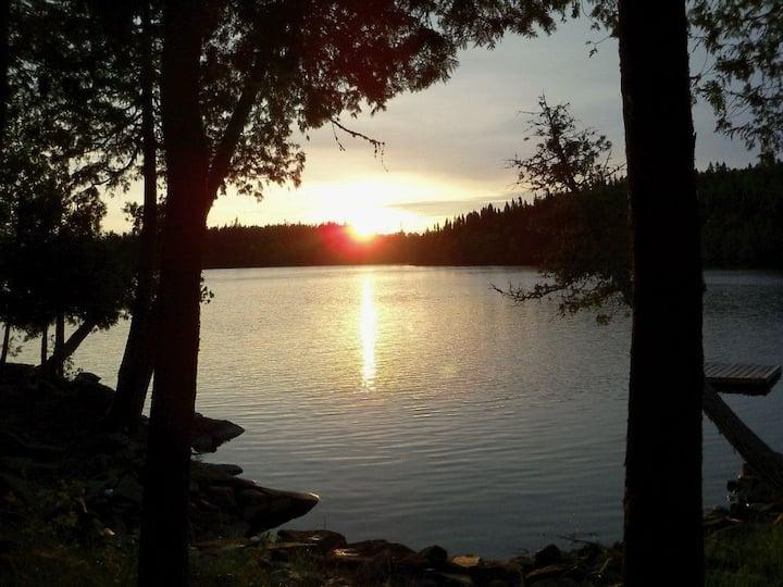 Fishing Cottage on Popular Cheeseman Lake