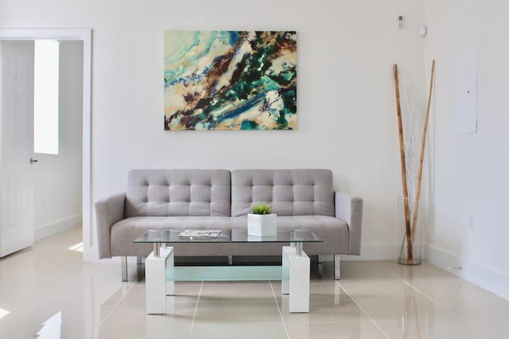 The LUXE Miami - APT #11: Luxury Apt Near Brickell